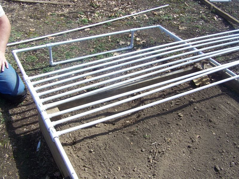 Raised bed cover PVV 2014 007