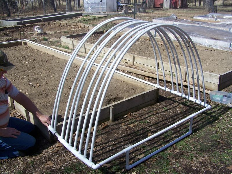 Raised bed cover PVV 2014 009
