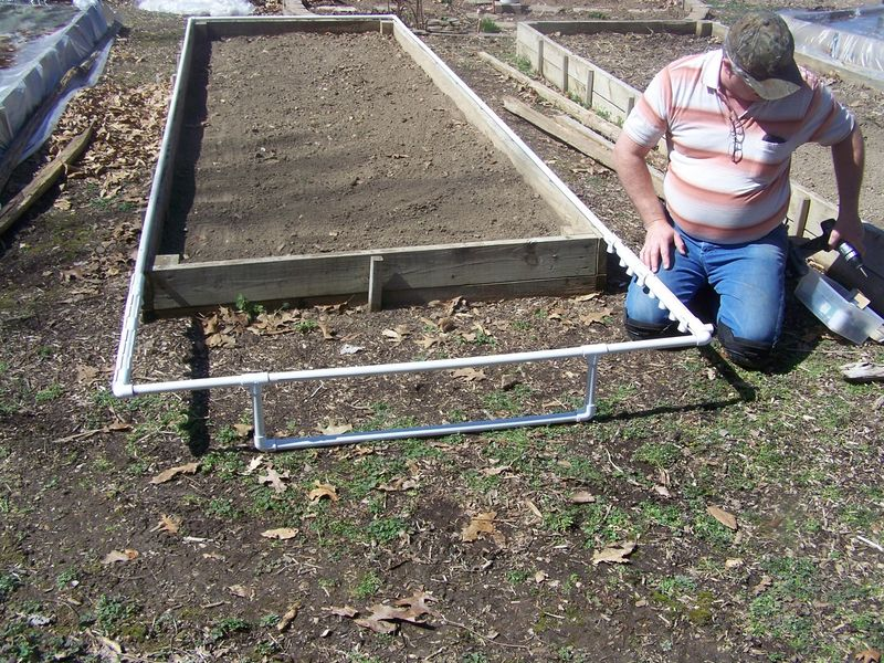Raised bed cover PVV 2014 006