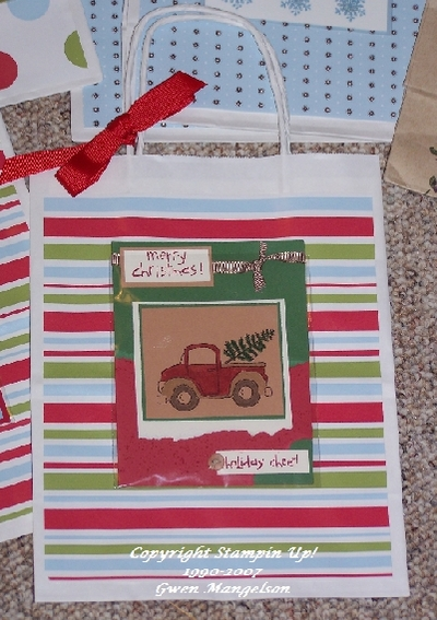 Holiday_bag_truck_2