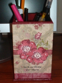 Office_ephemera_wild_rose_pen_holder
